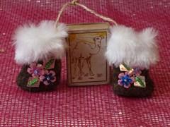 Сувенирные валенки с декором