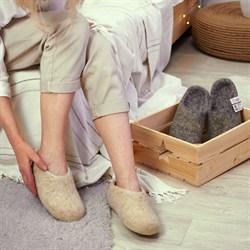 Купить Валяные тапочки ручной работы - цена 1 590 руб. в интернет-магазине ТОП-ВАЛЕНКИ