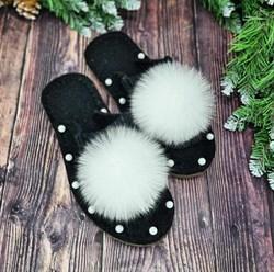 Валяные тапочки с открытой пяткой украшены бусинами и натуральным мехом кролика черные - фото 16539