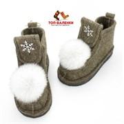 Валенки шитые войлочные на подошве коричневые со снежинкой и меховой опушкой